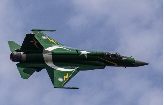 ভারত সীমান্তে এফ-১৬ 'র গোটা বহর মোতায়েন পাকিস্তানের!