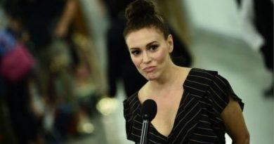 গর্ভপাত নিষিদ্ধ আইন ঠেকাতে 'যৌন ধর্মঘটে'র ডাক দিলেন অভিনেত্রী অ্যালিসা মিলানো